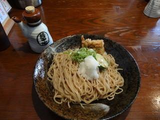 よし田 - 特製醤油で味わう自家製麺