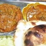 ディヤダハラ - インドタンドリーミールス:かぼちゃカレーとチキンカレー