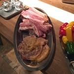GLAMS BBQ Lounge - これから、バーベキュー送別会(^o^) まだ食べ始めてないですが。肉がドーンと!