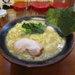 横浜家系ラーメン 孝太郎 - 醤油豚骨(大) 780円