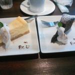 35399538 - チースケーキとチョコケーキ(どちらもハーフ)