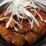 飯処にっくん - ホエー豚丼ピリ辛味噌味