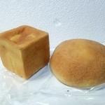 さくら・さくら - キューブ何とか150円 クリームメロンパン140円