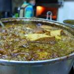 阿霞 燒肉飯 - 鍋でじっくり煮込んで旨くなる肉燥、豆腐
