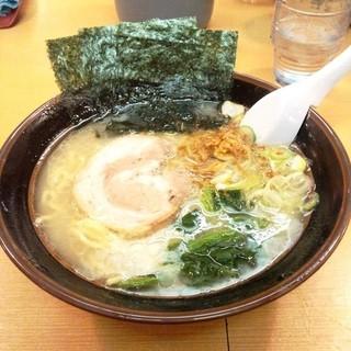 よこはま軒 - 横浜とんこつラーメン塩700円
