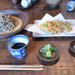 藍 - 掻き揚げ蕎麦1260円