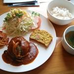 篠田弁慶堂薬房 - ハンバーグランチ 850円