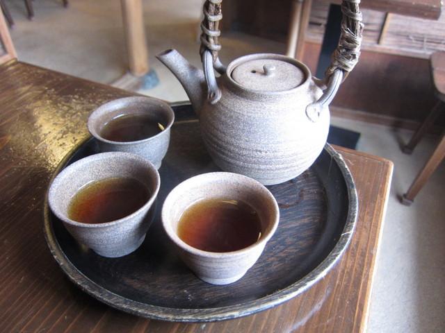 茶処 こ寿々 - お茶もつきま~す!