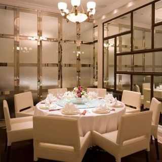 落ち着いてお食事をお楽しみいただける個室もご用意!