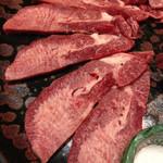 焼肉 たつ屋 - 料理写真:特選塩タン