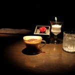 カフェ セレーサ - 挽きたての香りを楽しませてくれます☆