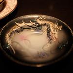 カフェ セレーサ - ソーサーに施された龍の存在感も抜群☆