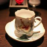 カフェ セレーサ - 女性の様に優しげな形状と絵柄に胸キュン☆