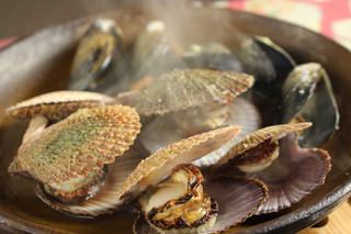遊人 - 赤貝とカラス貝の酒蒸し