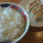 35421491 - 平日ランチのプラス150円でご飯と餃子か蟹焼売