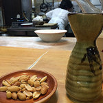 Gyouzasemmontenshanhai - 泡盛+ピーナッツ