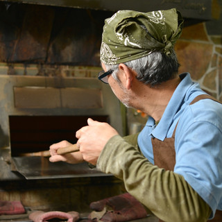 石釜でしか出せないもっちり感のパン