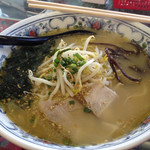 あごらーめん - 料理写真:あごだしラーメン。寒い日で温まりました。味はまぁまぁでした。