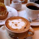 カフェ・カトル・ヴァン・ヌフ - 本日のケーキ「モンブラン」と、テディベアカプチーノ