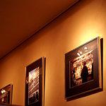 カフェ・カトル・ヴァン・ヌフ - 落ち着いた店内。ギャラリーって雰囲気ですね。