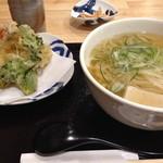 手打ちうどん ほそ井 - 一年牡蠣の天ぷらうどん