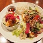 豆腐room Dy's - お野菜の下はきぬ豆腐の厚揚げ。お豆腐料理がたっぷりいただけます。