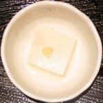 ぽん輔 - 鳥取県産大山鶏カツ定食(ムネ肉) 500円 の冷奴