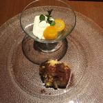 ゼルコバール - デザートのパンナコッタとティラミス