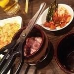 35437522 - サラダ、きゅうり、キムチ盛り合わせ、壺ハラミ