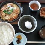もく - Aランチ(チキンカツ鍋)