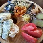 森の家庭料理レストラン - ビュッフェ… 天ぷら・スパゲティ・さつま芋 他