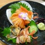 四季旬菜 花音 - 料理写真:赤貝のお造り