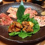 清香園 - 2014年2月訪問時  肉セットアップ。美味いが価格設定が高めです。