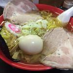 35443506 - 長寿祝いのスペシャル 皇帝スープのラーメン1800円+大盛り100円