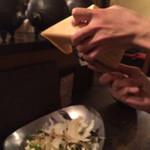 ごはん・ばー 心ろ家 - 2015/1/16 サラダの上にチーズを削って下さいました。