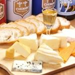 イマイケ バル - チーズの盛り合わせ