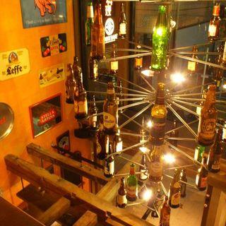 ベルギービール瓶のシャンデリア