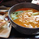 五味八珍 - 料理写真:タンタン麺と餃子のセット690円