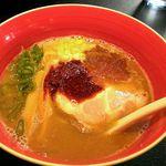 35462578 - 赤い魚介豚骨醤油@850円