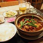 マダムリン 台北 - 激辛モツ鍋(920円)+定食(200円)