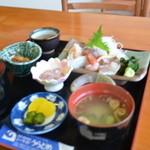 シーサイド うらどめ - 料理写真:お刺身定食 茶碗蒸しもつきます