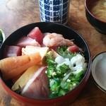 菊寿司 - ちらし寿司1,100円
