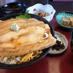 さんとり茶屋 - 料理写真:穴子丼