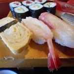 満寿鮨 - ネタがそろってます