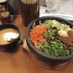 日の出らーめん - 石焼ガッツ麺
