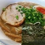 スープナッツ - 豚骨ラーメン650円