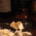 フィーハット - チーズ、赤ワイン