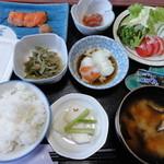 飯塚旅館 - 料理写真:朝食