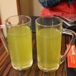ぶっちぎり酒場 - 玄米緑茶割ホット190円+税