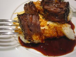 トラットリア ダ コヴィーノ - 柔らかく煮込まれた頬肉